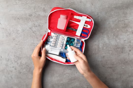 first-aid-kit-at-home